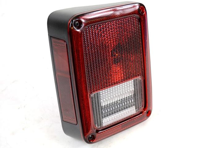 Genuine Chrysler Tail//Stop//Turn Lamp 55077891AE