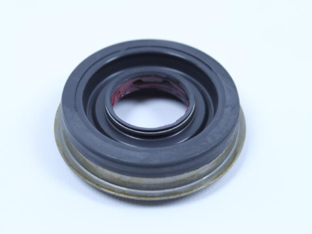 Genuine Chrysler 4798117 Output Shaft Seal
