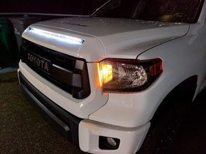 HOOD BULGE - WHITE (040) - **LIGHT IS NOT INCLUDED** - Toyota (76180-0C030-A0)