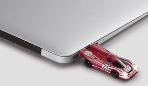 Z USB Stick 8 Gb 917 - Porsche (WAP-050-072-0G)