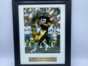 Terry Bradshaw Pittsburg Steelers Autographed Photo - Sports Memoribilia (TER-STE-PHO)