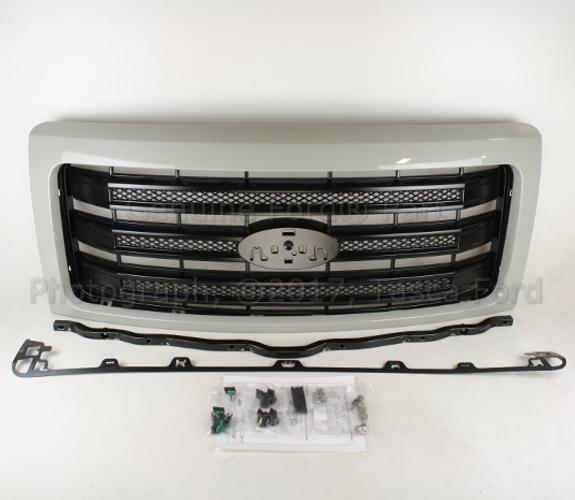 Grille - Ford (EL3Z-8200-APTM)