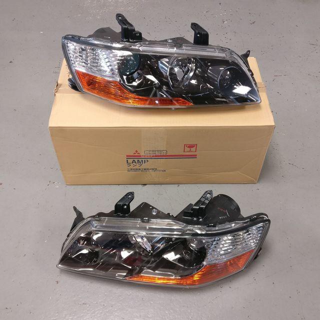 (LH & RH PAIR) Mitsubishi Evo 9 GT/ RS (BLACK CHROME) – Genuine Mitsubishi Non HID Headlights - Mitsubishi (8301A4078KIT)