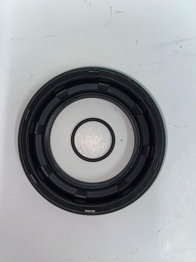 Automatic Transmission Input Shaft Seal - BMW (24-10-7-581-595)