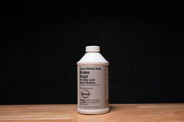 Brake Fluid (DOT 3TYPE 12 Oz) - Nissan (999MP-A4100P)