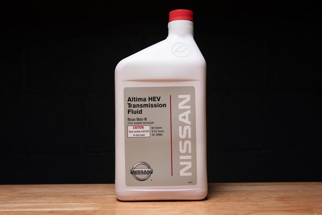 75W85 Manual Trans Fluid - Nissan (999MP-MTF00NP)