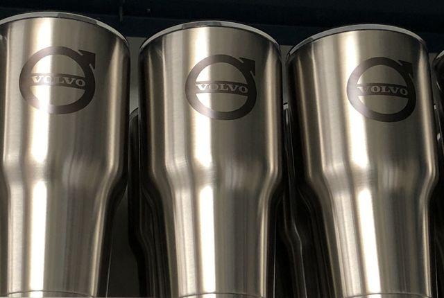 Volvo logo Vacuum Copper/Stainless Mug 30oz Insulated - Volvo (202)
