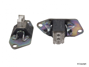 Right Front Engine Mount - Volvo (30748811)