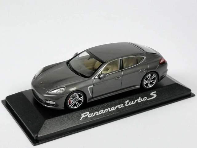 Model Car: Panamera Turbo S (G2) 1:43 - Volcanic Grey - Porsche (WAP-020-747-0G)