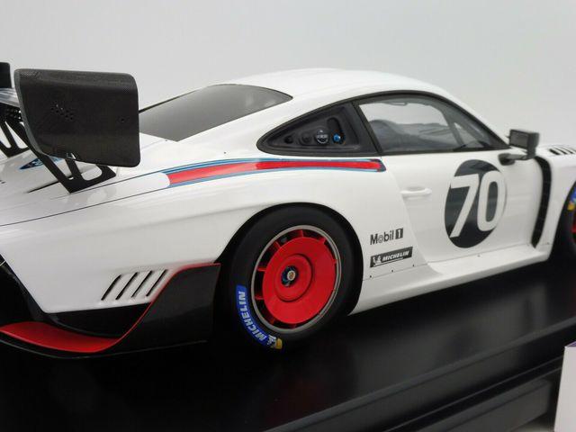 Model Car: Porsche 935 Martini base 991 GT2 RS 2018 No. 174/500 1:12 - Porsche (WAP-023-903-0K)