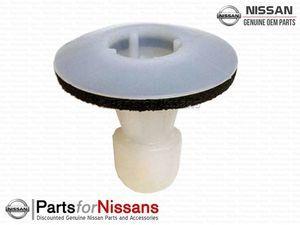 Molding Grommet S13 S14 S15 Z33 Z34 R33 R34 R35 - Nissan (76848-35F00)