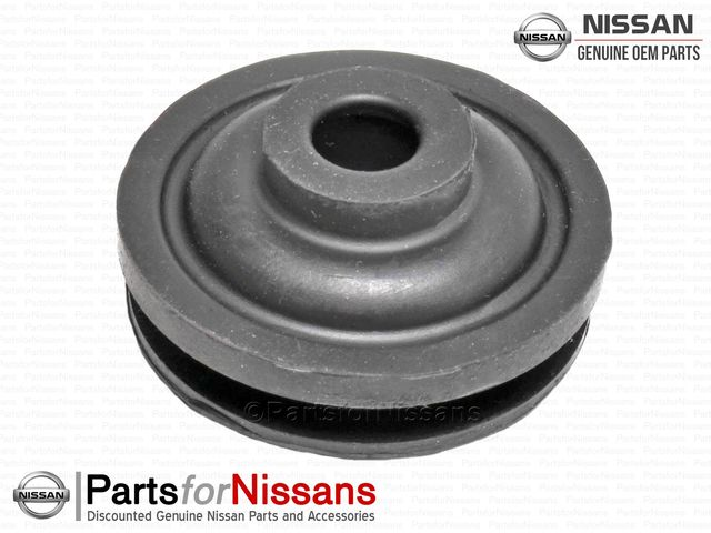 JDM SKYLINE RB UPPER RADIATOR MOUNT BUSHING - NISSAN (21506-01U00)