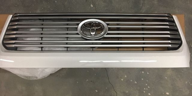 2014+ Tundra Platinum Grille Take-offs - Custom (53100-0C320)
