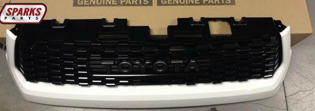 TRD Pro Grille - Superwhite 040 - Toyota (53101-0C070-A0)