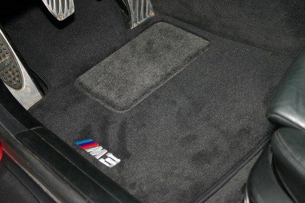 BMW EMBROIDERED M3 FLOOR MATS - BMW (82-11-2-293-533)
