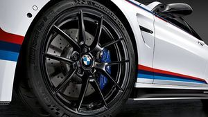 BMW M PERFORMANCE 763M WHEEL AND TIRE SET - BMW (36-11-2-449-762)