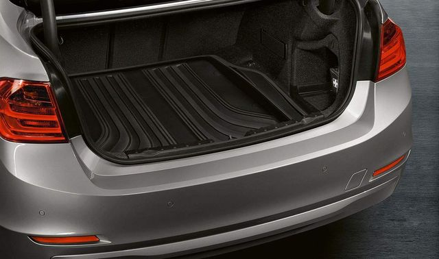 BMW FITTED LUGGAGE COMPARTMENT MAT - BASIS - BMW (51-47-2-295-245)