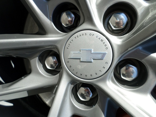 Camaro 50TH (Fifty) Edition Center Cap - GM (23115619)