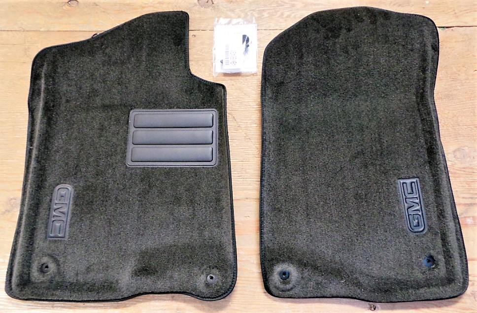 Floor Mats, Carpet, Front - GM (17800403)