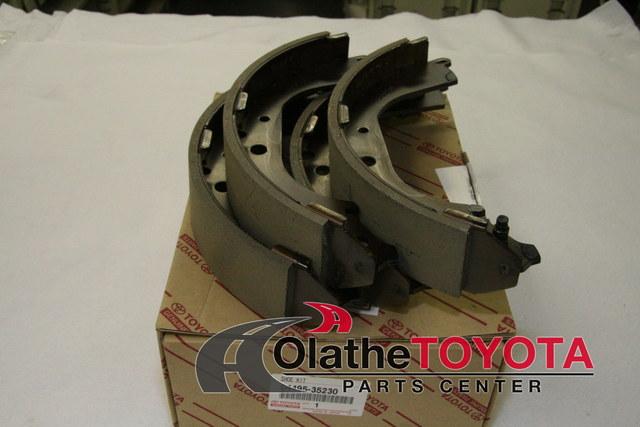 Brake Shoes - Toyota (0449535230)