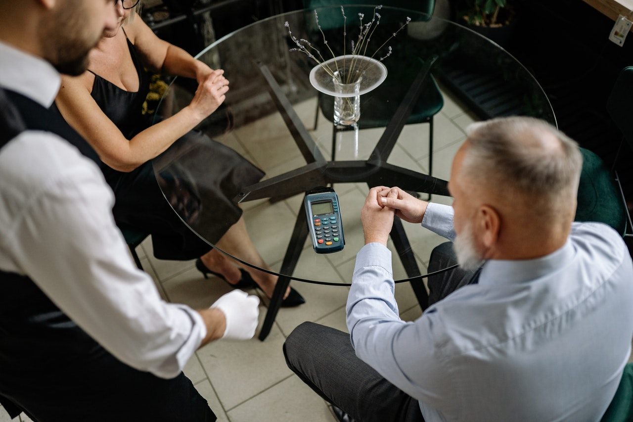 The pros and cons of mobile POS systems