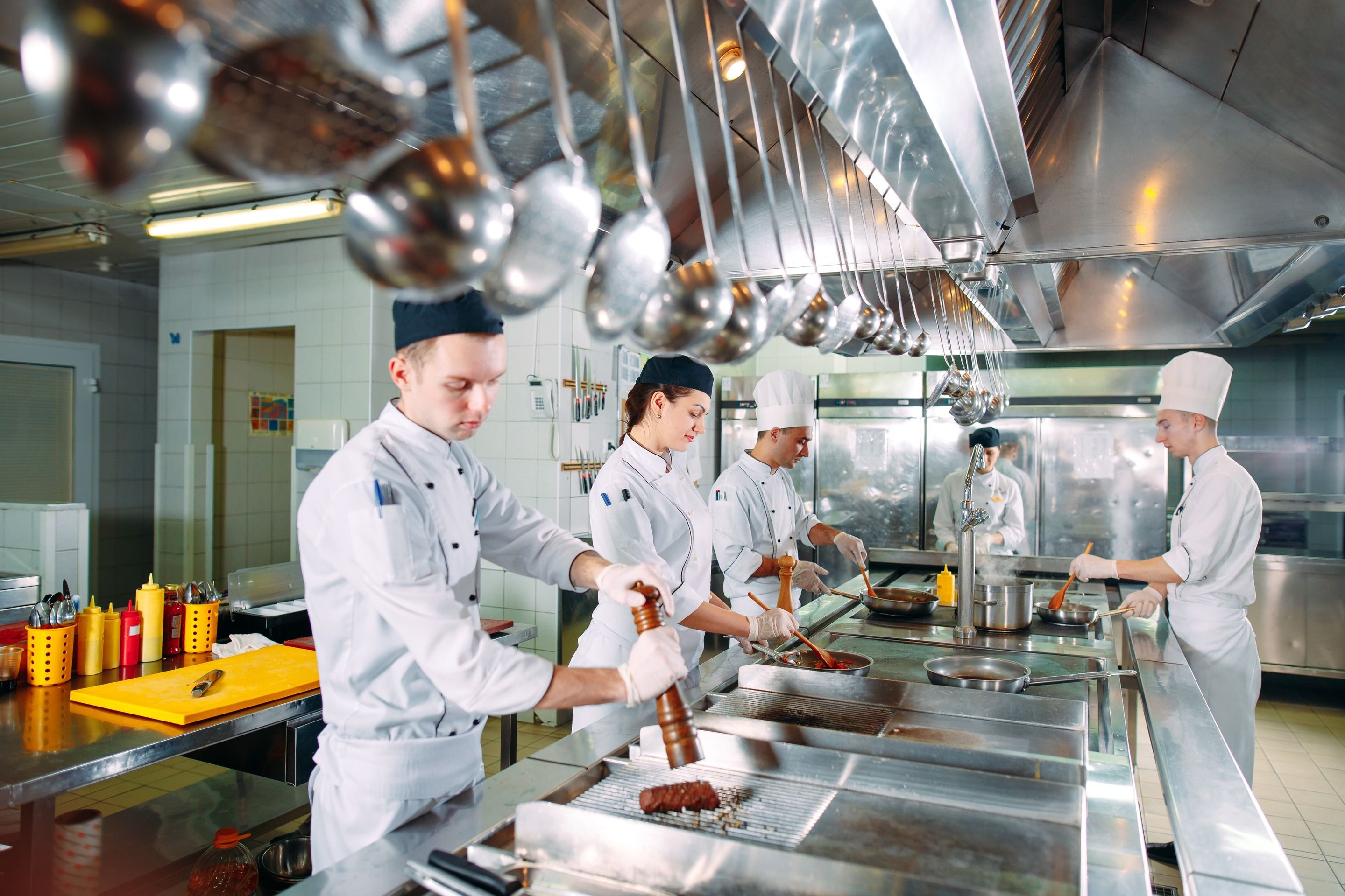 4 Essential Tips VARs Need to Know to Help Clients Improve Restaurant Efficiency