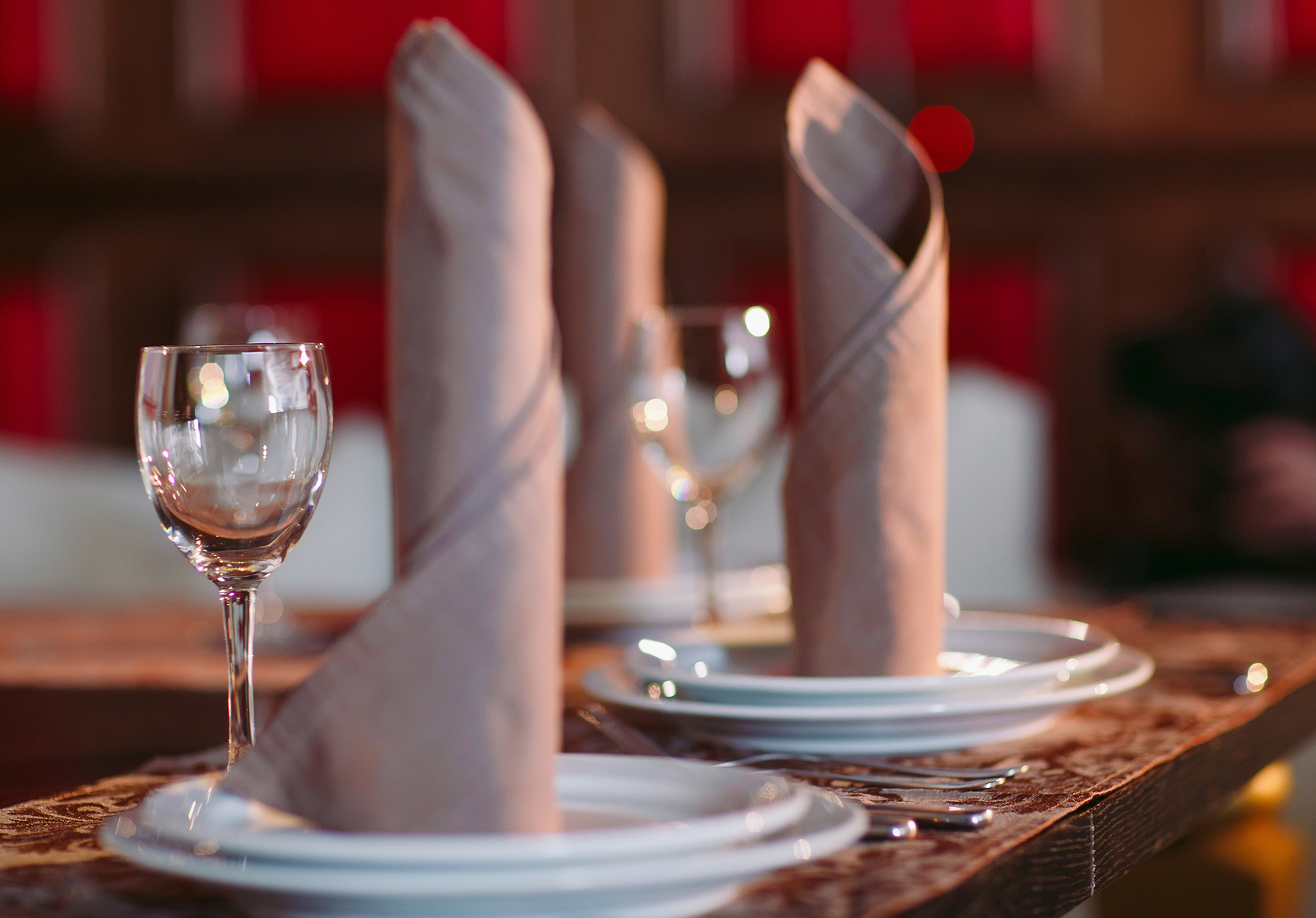3 Ways to Use Your Fine Dining POS to Execute Restaurant Marketing Strategy
