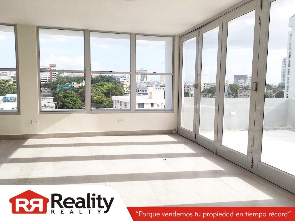 NEW ON THE MARKET!! PentHouse at Cond. Rolan