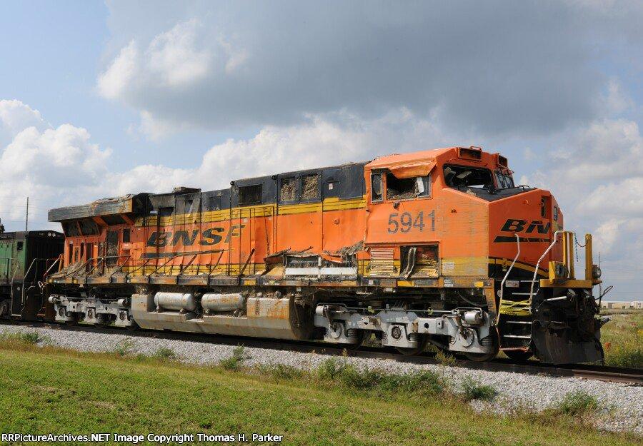BNSF 5941 ES44AC