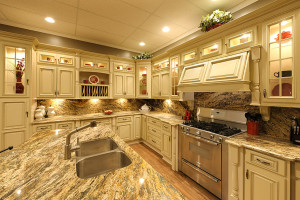 RTA Kitchen Cabinets to Complement the Rustic Home