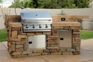 The Top 5 Most Fabulous Outdoor Kitchen Trends - RTA ...