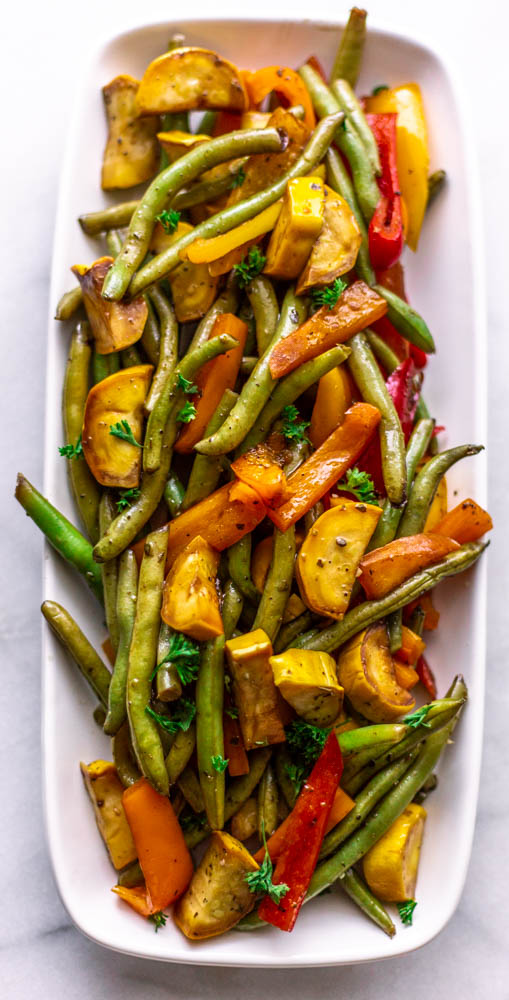 Balsamic Grilled Foil Pack Veggies are an easy way to make veggies for a crowd without using the oven and any dishes. The perfect healthy side.