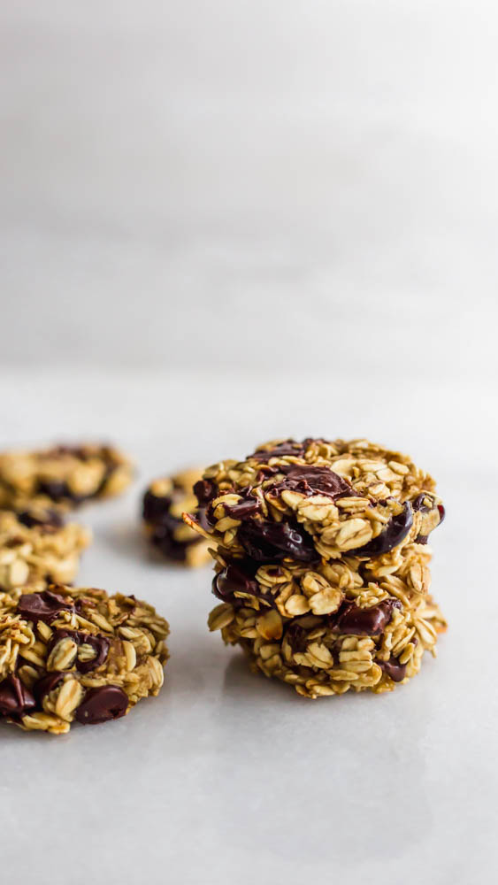 TheseCherry Chocolate Oatmeal Energy Cookies will give you a pep in your step while satisfying that chocolate craving.