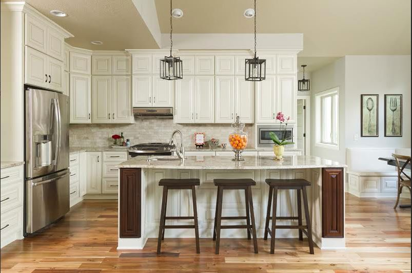 Casa Blanca Glazed Kitchen Cabinets