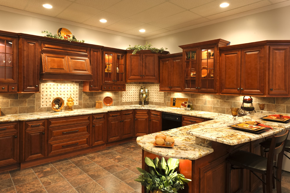Cherry Glazed Kitchen Cabinets