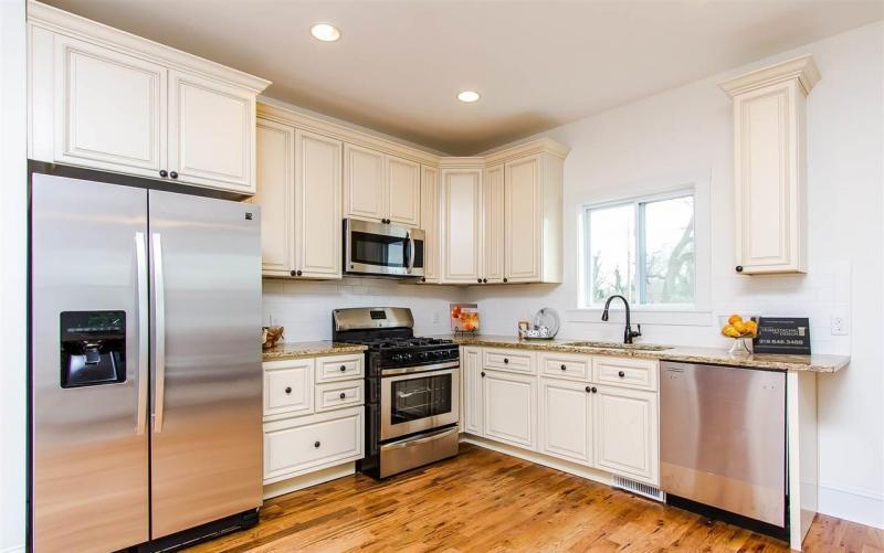 Maddox Canvas Kitchen Cabinets