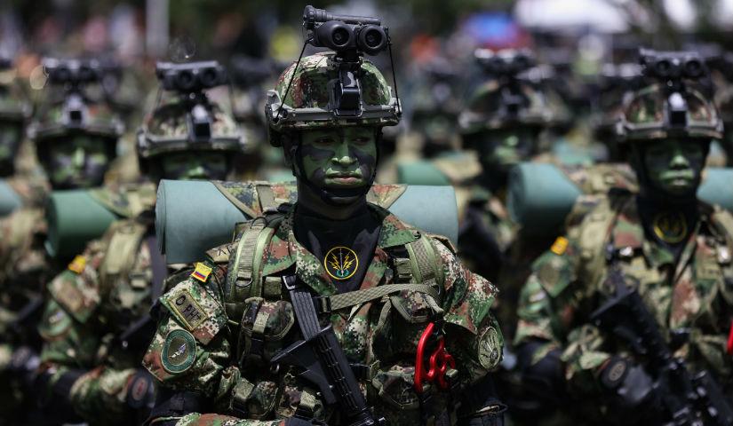 Imagen de varios soldados en el desfile militar