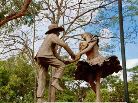 Foto de dos bailarines de joropo