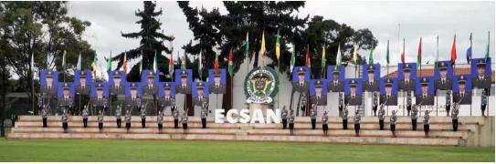 Homenaje a los policias fallecidos en atentado