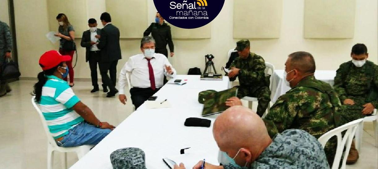 El ministro de Defensa se reunió con el senador Feliciano Valencia luego del atentado