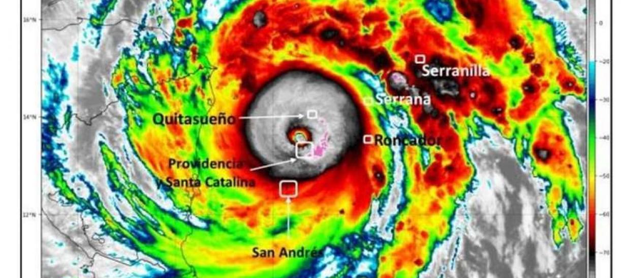 Imágen satelital del huracán Iota en su paso por San Andrés