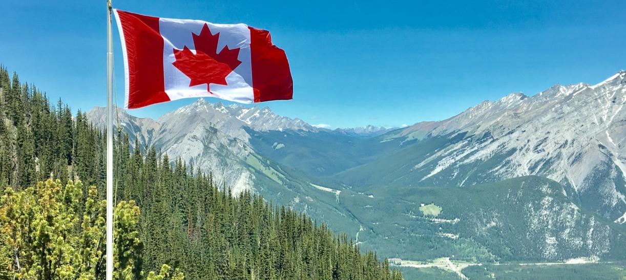 Vive y trabaja en Canadá