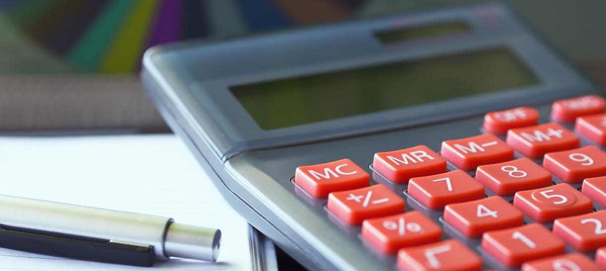 se aplaza impuesto a la renta de empresas