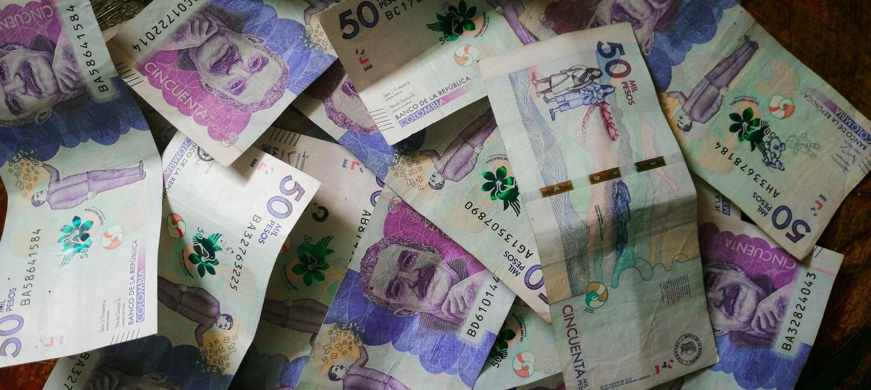 billetes de cincuenta mil