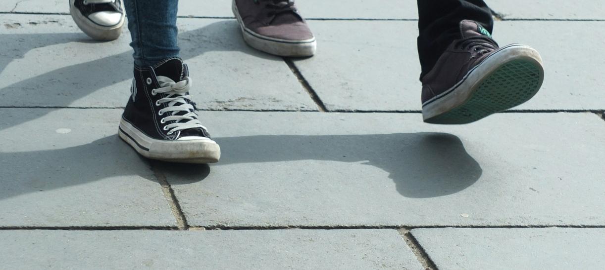 pies de dos personas