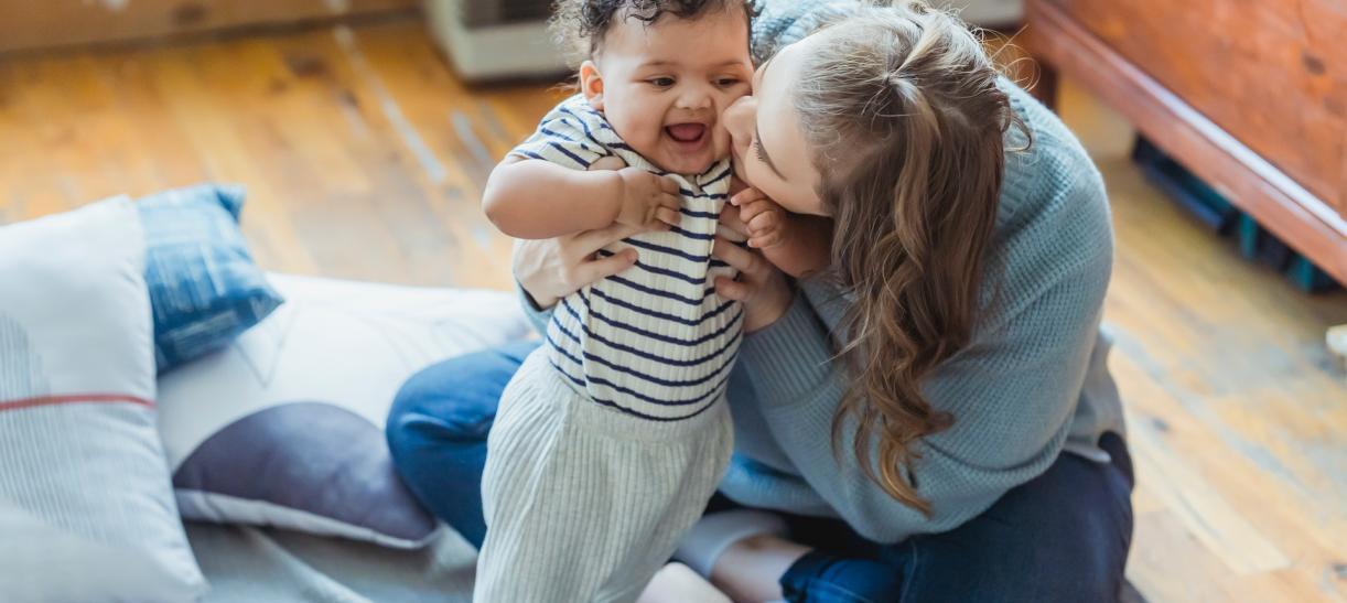 mama e hijo felices - que tienen en cuenta para dar custodia