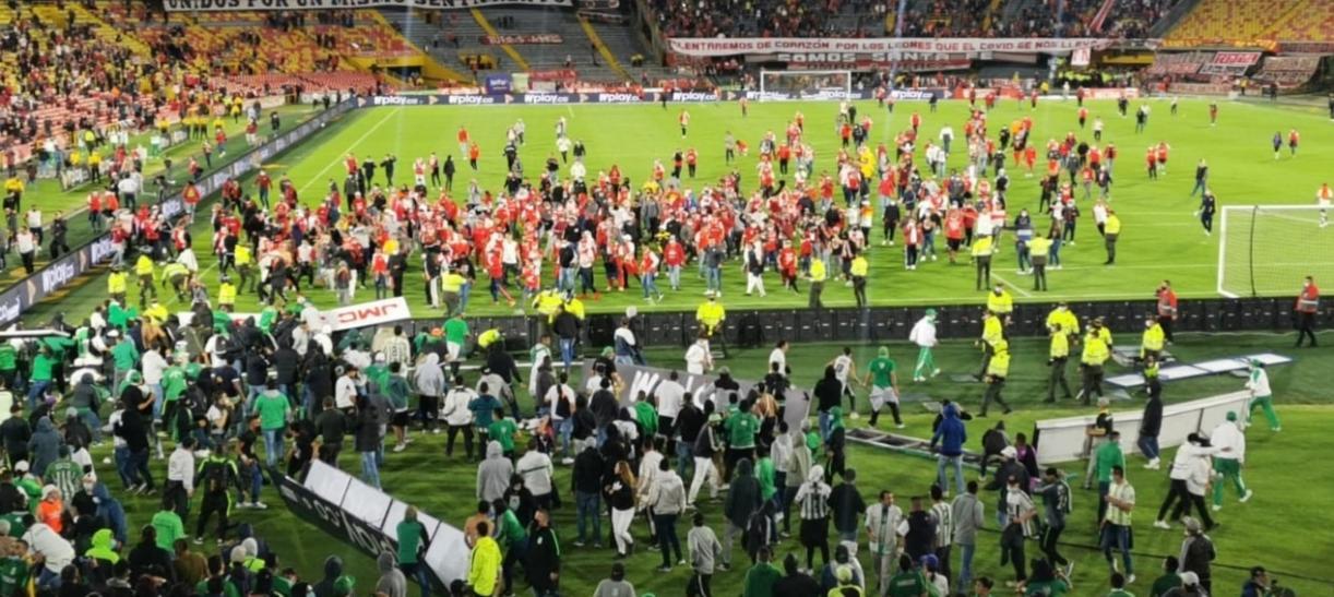 actos violentos en el estadio El Campín