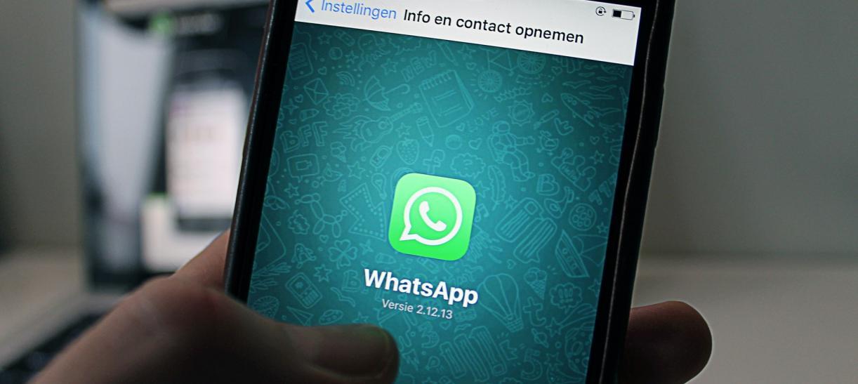 celular aplicacion whatsapp