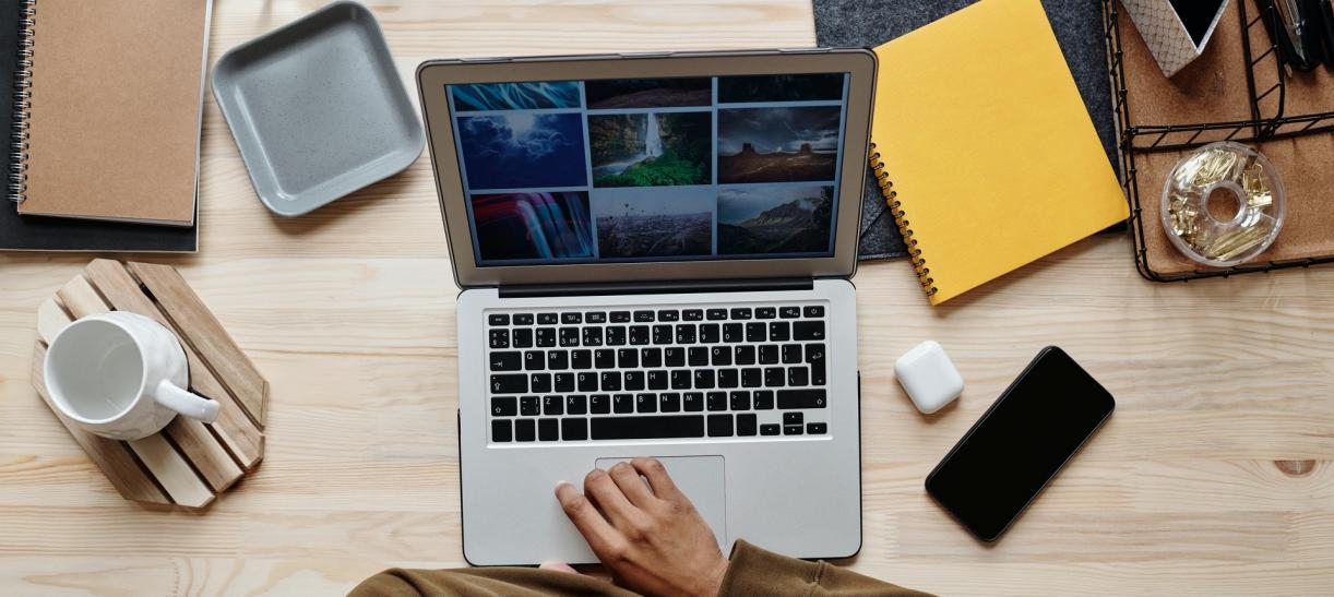 computador portatil tv publica en plataformas online