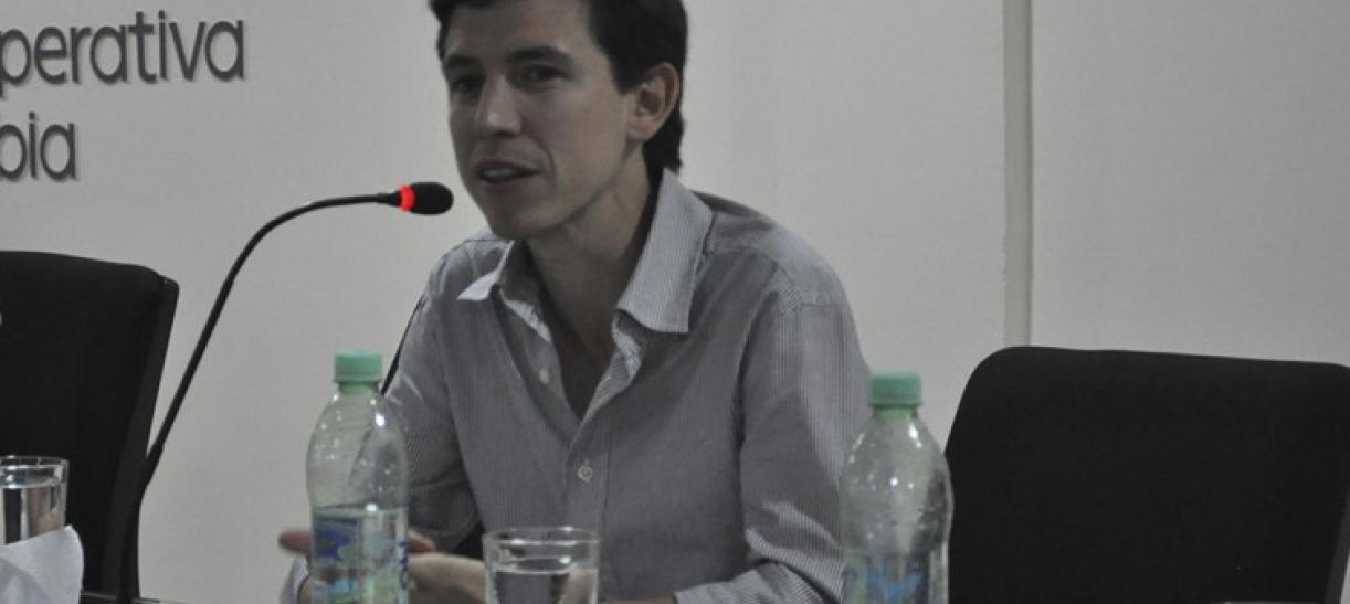 Piden anular sentencia o casa por cárcel para Enrique Vives